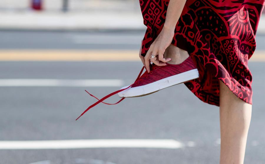 Sportowe buty lub eleganckie szpilki - to zawsze świetny wybor
