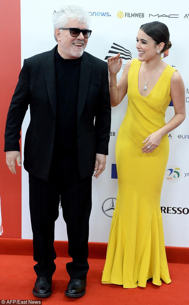 Reżyser Pedro Almodovar i aktorka Adriana Ugarte