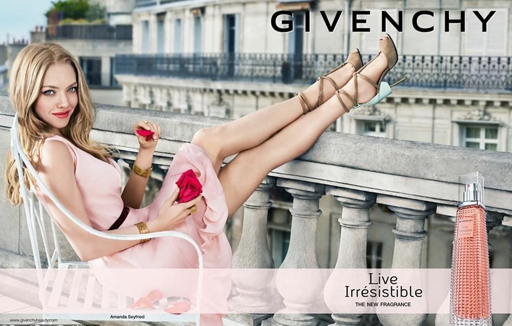 Live Irresistiblee to kwiatowo - owocowe perfumy dla romantyczek