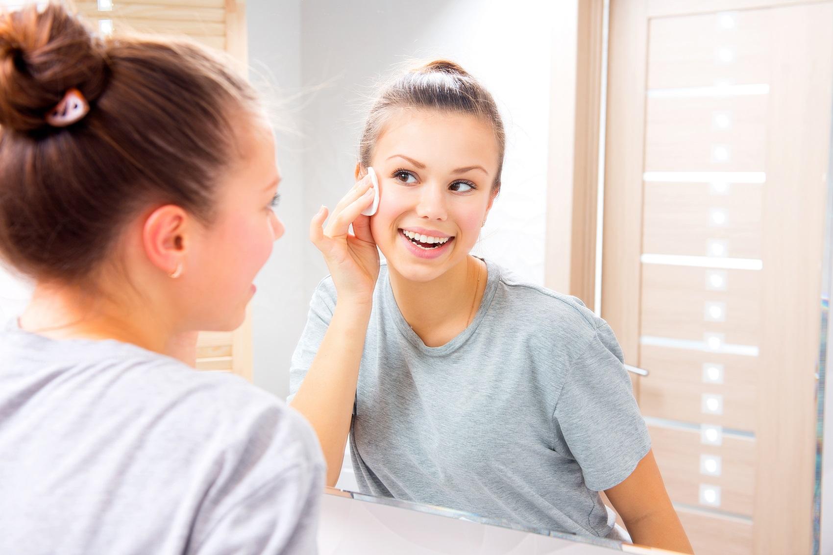 Przygotowywanie skóry przed nałożeniem makijażu