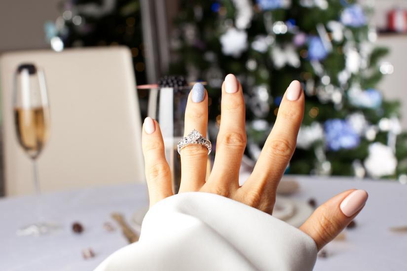świąteczny manicure w pastelowych kolorach