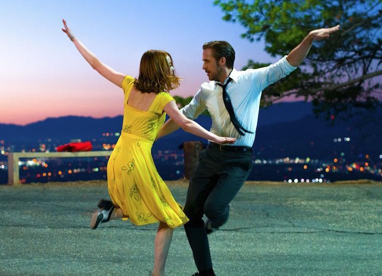 """Emma Stone w żółtej sukience w filmie """"La La Land"""""""