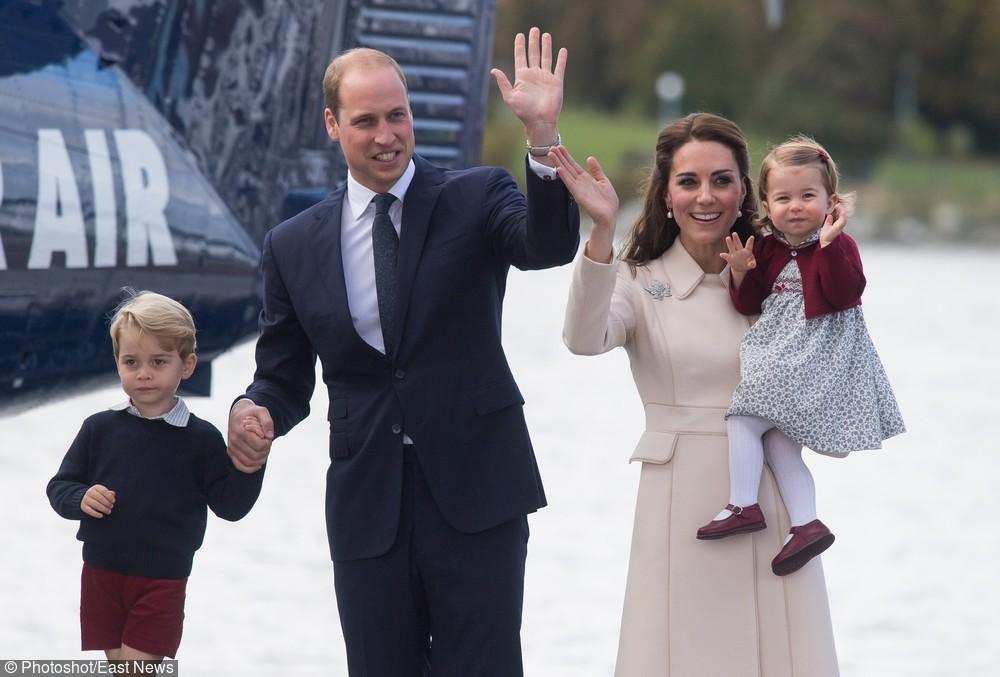 Książę William uwielbia granatowe marynarki