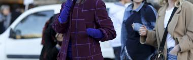 Płaszcz w kratę będzie doskonały zimą do pracy