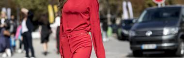 Z czym nosić czerwone akcesoria