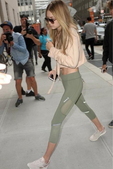 Gigi Hadid w legginsach