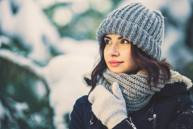 Zimowe akcesoria -szalik, czapka i rękawiczki