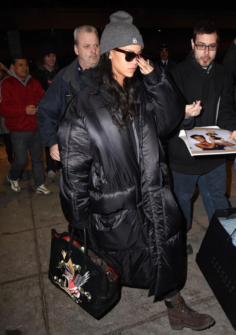 Rihanna na lotnisku