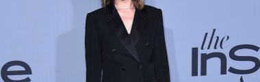 Dakota Johnson ciemsny damski garnitur