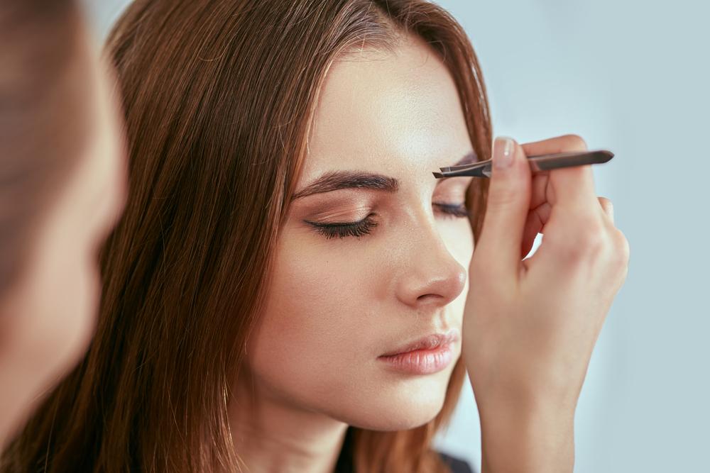 Make up najlepiej dopasuj do rodzaju brwi