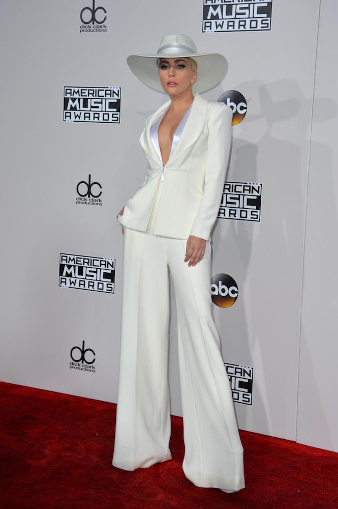 Lady Gaga w odważnym garniturze