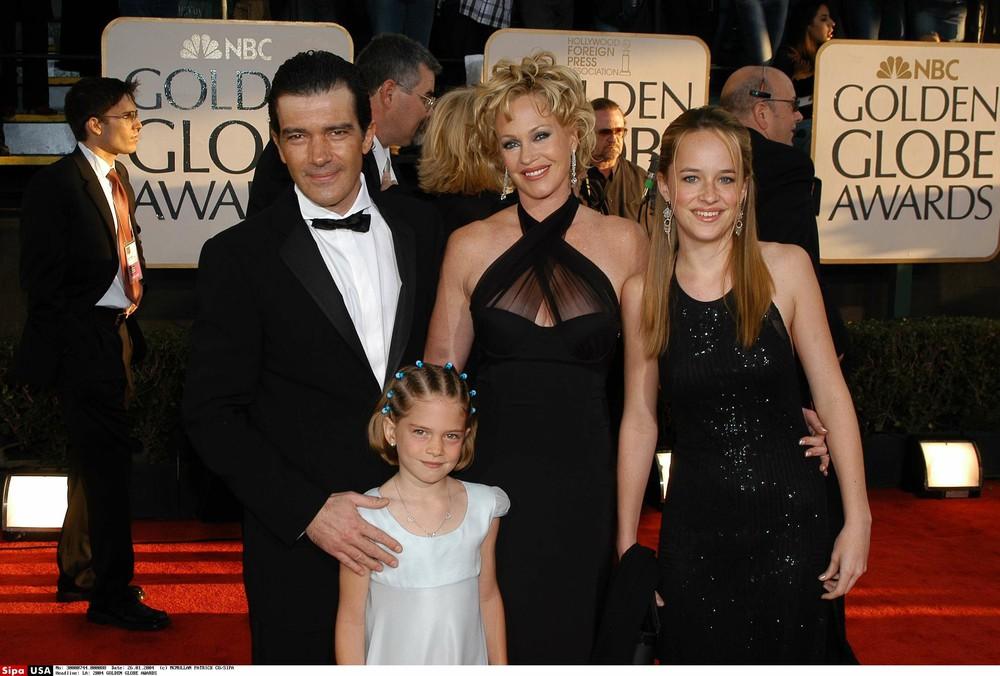 Dakota Johnson z matką i ojczymem na rozdaniu nagród Golden Globes