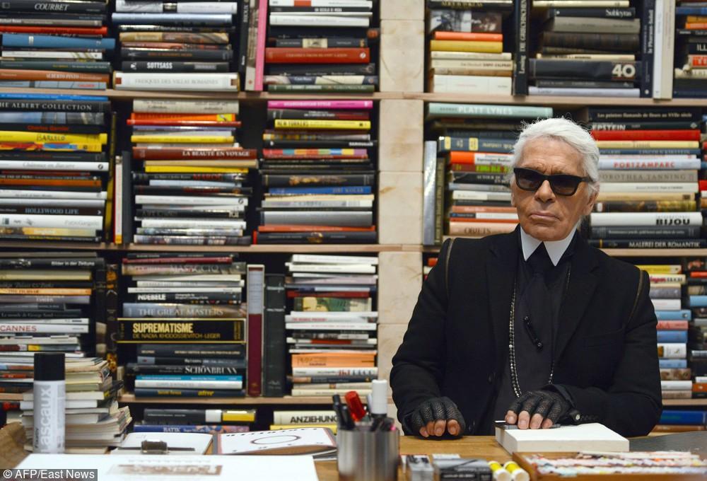 Karl Lagerfeld s swoim prywatnym biurze