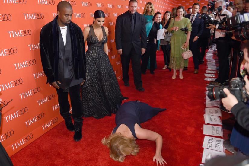 Kim Kardashian i Kanye West na czerwonym dywanie