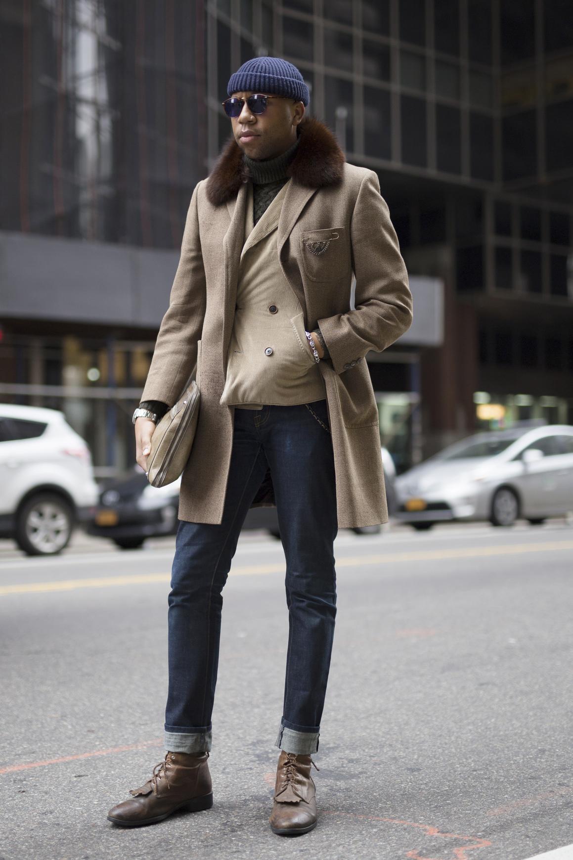 Wysocy mężczyźni często trafiają na zbyt krótki i ciasne ubrania