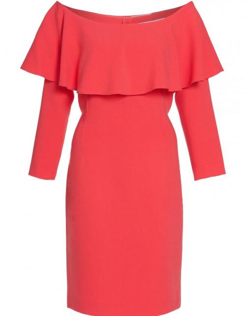 Czerwona sukienka z dekoltem hiszpańskim