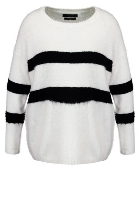 Sweter w poziome pasy
