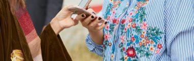 koszula z kwiatowym haftem