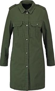 Militarny płaszcz