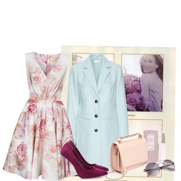 sukienka w róże z pastelowymi dodatkami