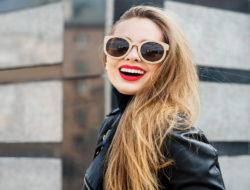 Okulary z okrągłymi oprawkami są niezwykle seksowne