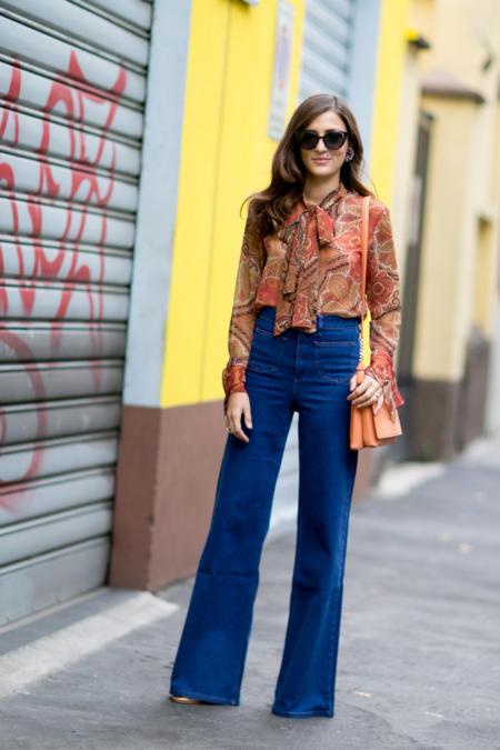 Jeansowe szwedy idealnie odnajdą się w retro stylizacjach
