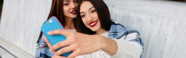 Selfie to jedna z najczęstszych metod pozowania do zdjęć na Instagramie
