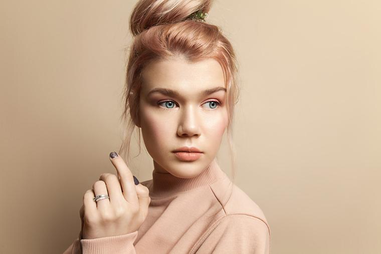 Hazelnut kolor Pantone będzie hitem tej wiosny