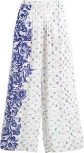 Biało-niebieskie spodnie