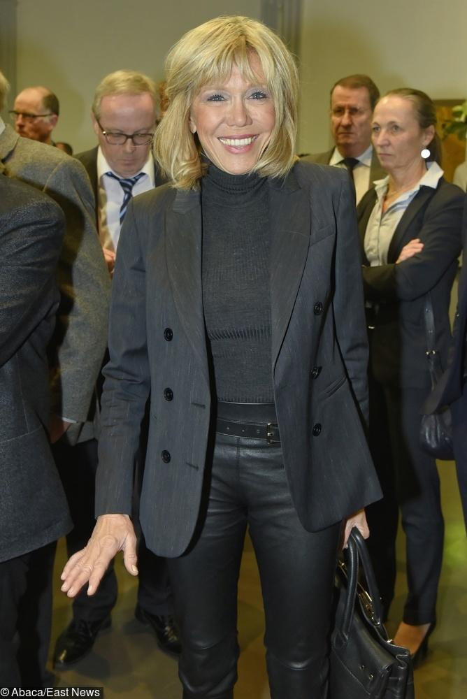 Brigitte Macron uwielbia proste stylizacje