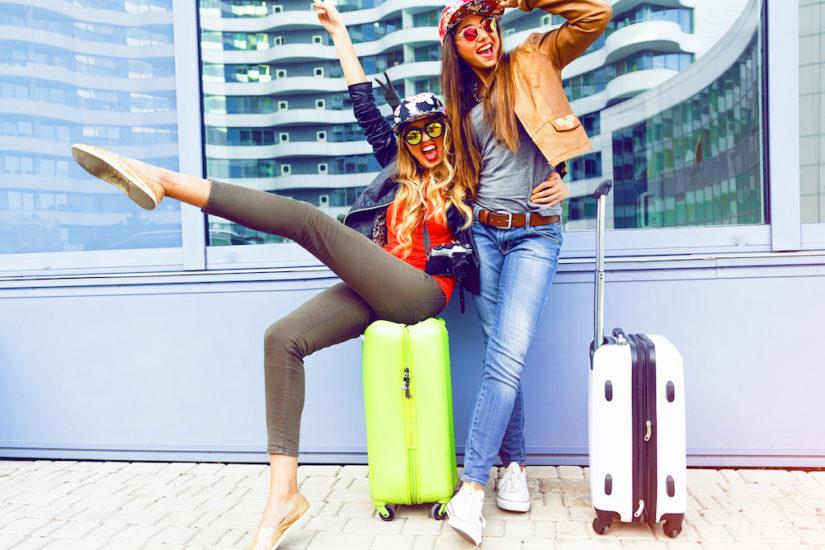 ubrania, które nie sprawdzą się na lotnisku