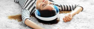 Słuchanie muzyki to sposób na relaks po pracy