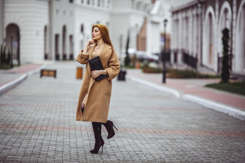 Płaszcz oversize jest bardzo sexy