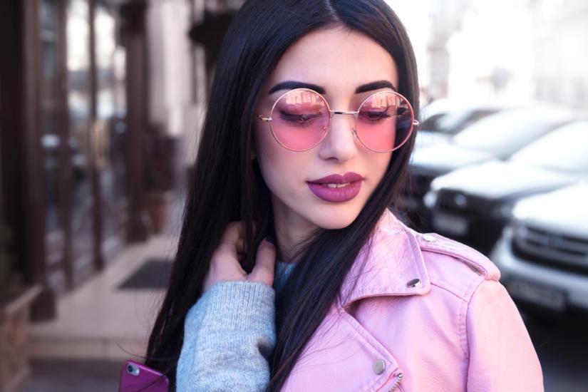 Różowe szkła są subtelne i bardzo kobiece