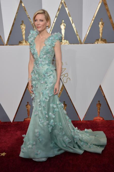 Cate Blanchett w jasnobłękitnej sukni