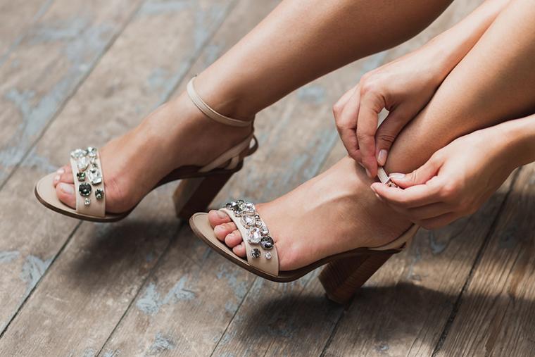 Sandały na słupku są wygodną alternatywą dla szpilek