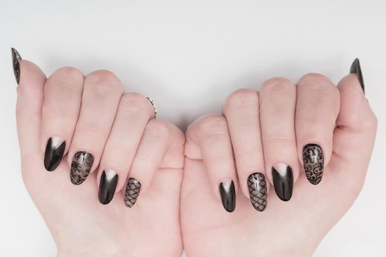 Czarne paznokcie mogą być równie interesujące w postaci wzorków