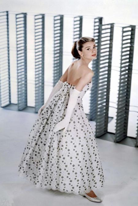 Elegancka Audrey Hepburn