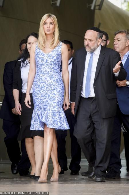 Ivanka Trump w kobiecej sukience