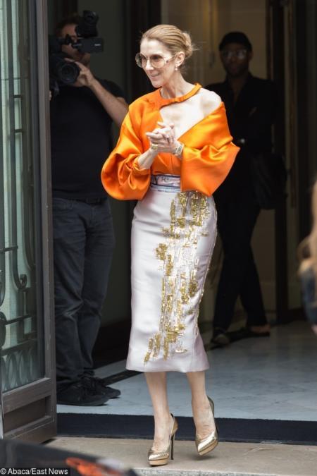 Pomarańczowo- srebrny szyk haute-couture