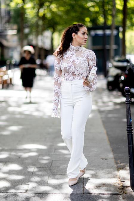 Białe spodnie + koronkowa bluzka