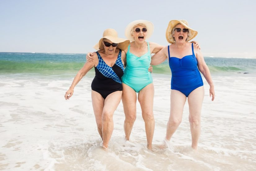 kostium kąpielowy dla kobiety dojrzałej