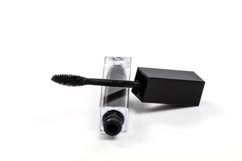 Wodoodporna mascara zadba o Twój make up na plaży
