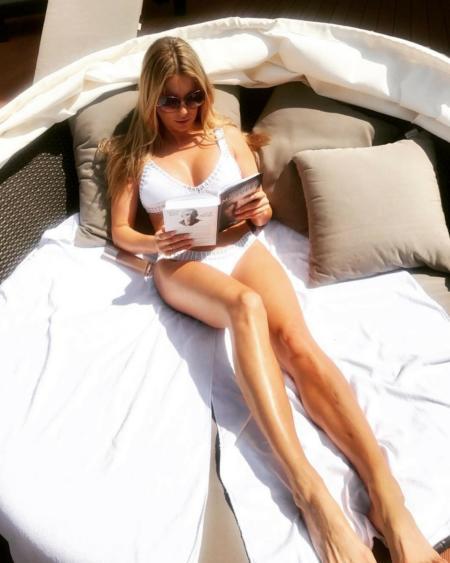 Małgorzata Rozenek w białym bikini