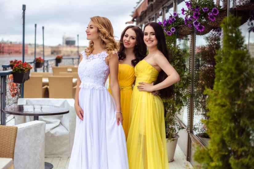 Takie same sukienki na weselu nie są problemem tylko dla druhen