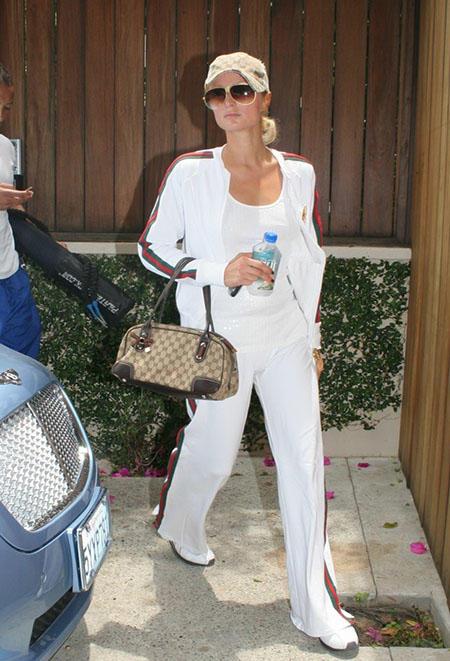 Paris Hilton w białym dresie