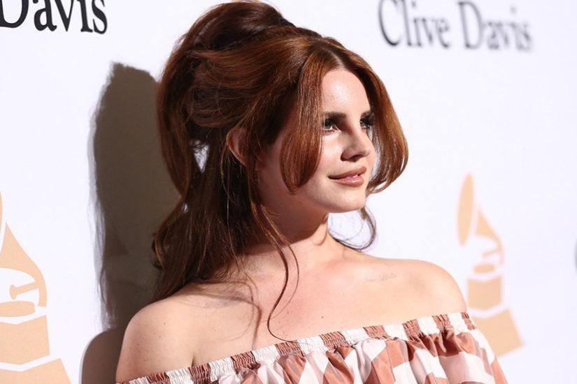 Lana Del Rey w fryzurze pełnej objętości wygląda bardzo seksownie