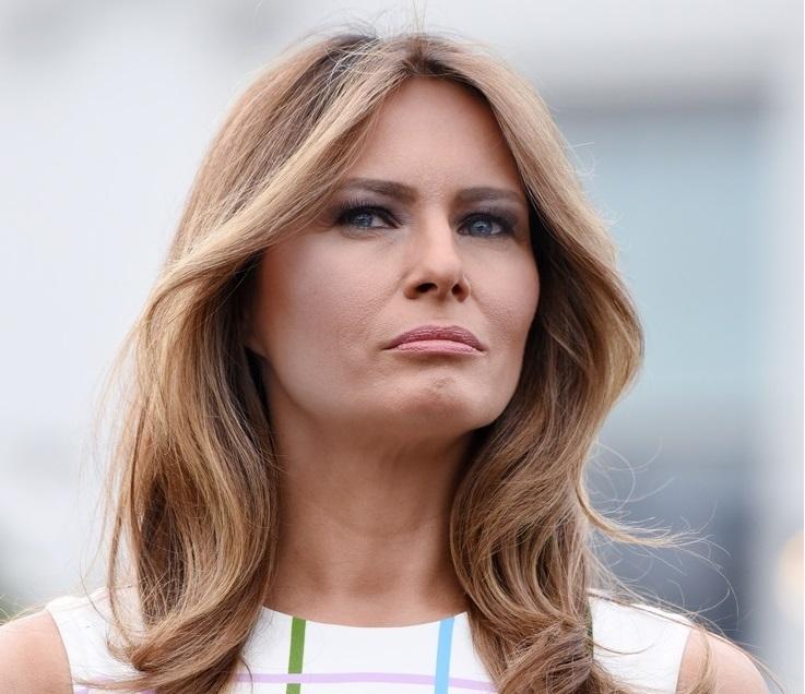 b1a389c8ebec3 Jak powinna się ubierać Melania Trump? Stylizacyjny pojedynek