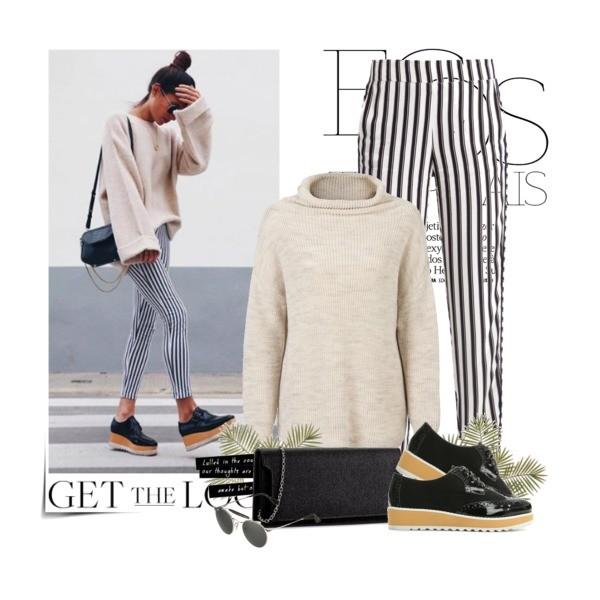 jasny sweter z golfem w zestawie ze spodniami w pasy