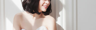 Proste fryzury na wesele zwykle są średniej długości